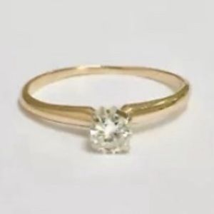 Jewelry - 14K Yellow Gold .25 Carat Solitaire S12 size 6.5
